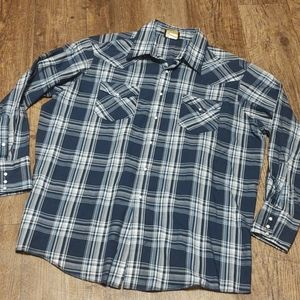 Beautiful snapdown Western Wear shirt by Holt